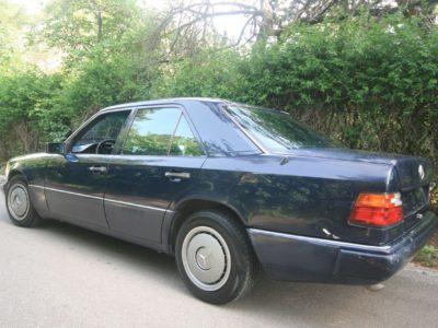 Mercedes-Benz 200E – W124 (1993)