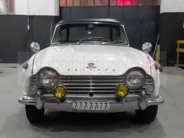 Triumph TR4 (1965)